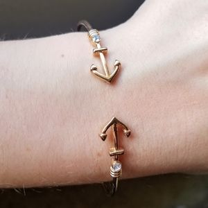 Jewelry - 📦FREE SHIPPING📦 GOLD Sailor Anchor Cuff